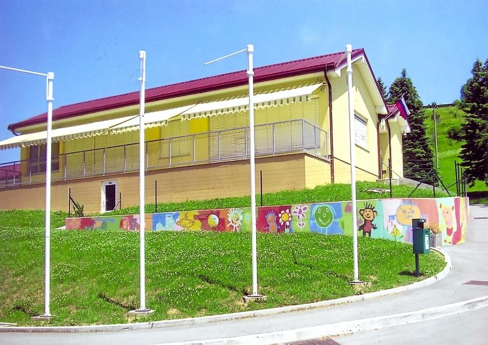Leta 2006 postane župan Občine Podčetrtek Peter Misja. Z novim prizidkom podružnične šole v Pristavi pri Mestinju so odprli še 2 oddelka vrtca. Kmalu pa so še 1 učilnico OŠ prilagodili delu v vrtcu.